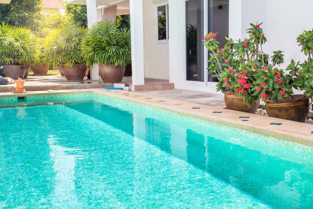 Construction d'une piscine : les déclarations à effectuer